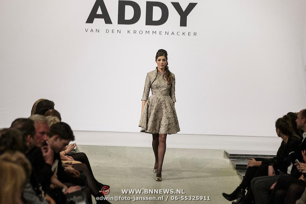 NLD/Laren/20150124 - Modeshow Addy van den Krommenacker Fall Winter 2015 'London revisited', mannequins op de catwalk, Nadia Palesa