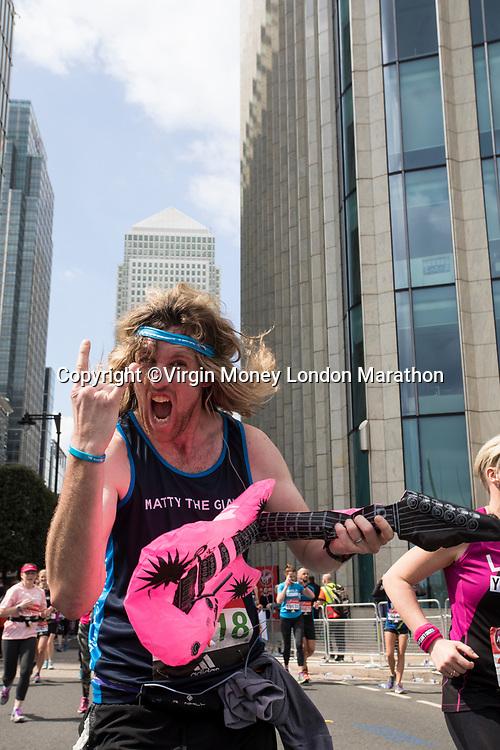 Runners pass through Canary Wharf. The Virgin Money London Marathon, 23rd April 2017.<br /> <br /> Photo: David Levenson for Virgin Money London Marathon<br /> <br /> For further information: media@londonmarathonevents.co.uk