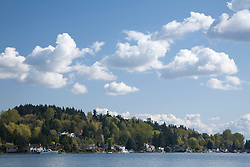 North America, United States, Washington, Bellevue, houses on Lake Washington