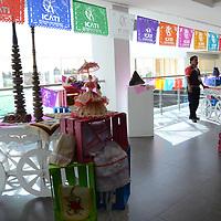Toluca, México.- (Marzo 23, 2017).- Diferentes stands de empresas y artesanías mexiquenses fueron colocados en la convención Nacional de CANACINTRA 2017 en el Centro de Convenciones del Estado de México. Agencia MVT / José Hernández.