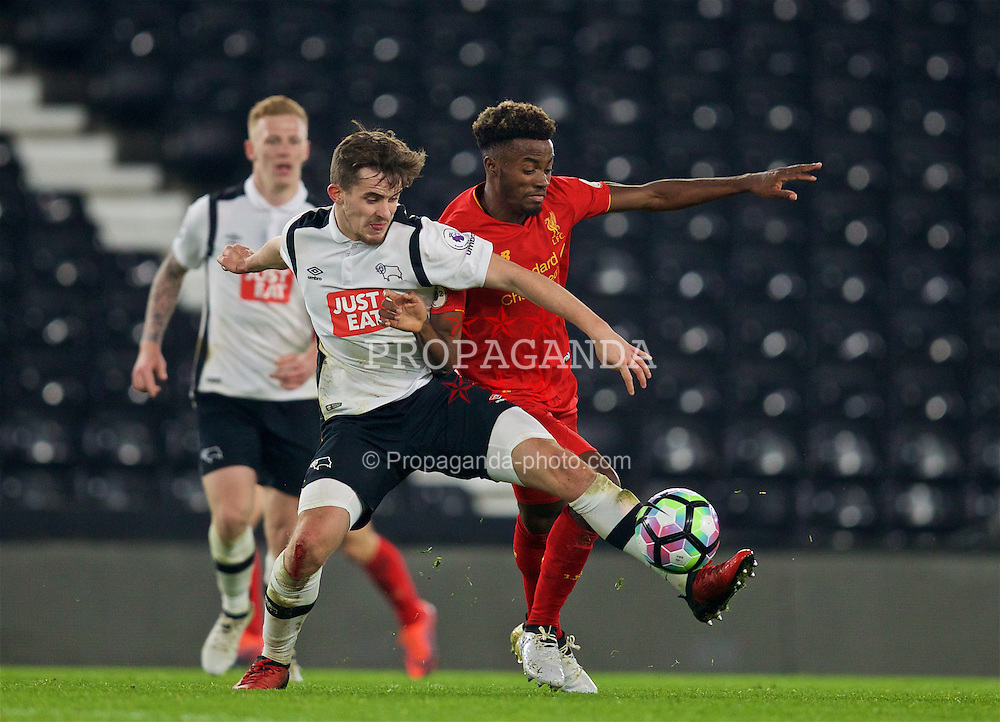 DERBY, ENGLAND - Monday, November 28, 2016: Liverpool's Madger Gomes in action against Derby County's Jamie Hanson during the FA Premier League 2 Under-23 match at Pride Park. (Pic by David Rawcliffe/Propaganda)