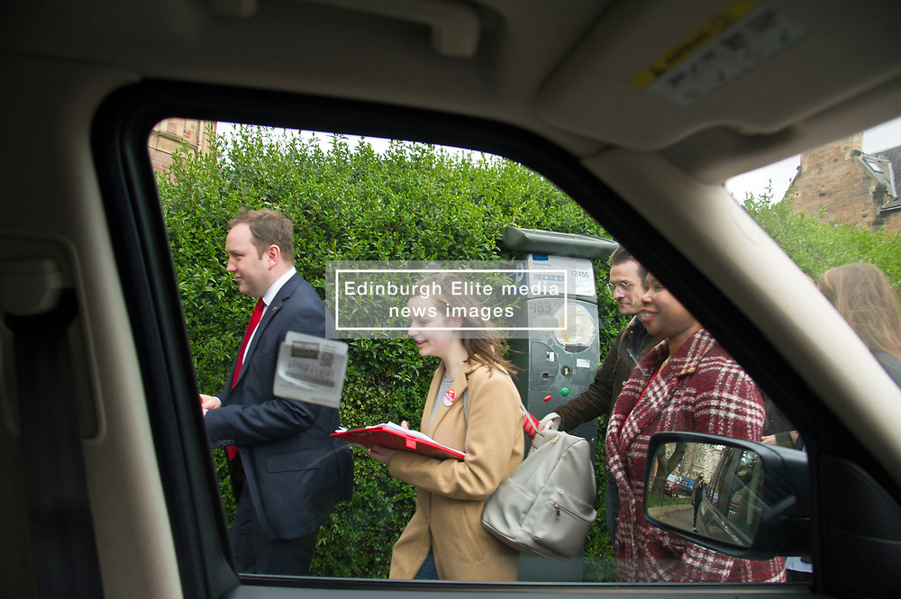 Pictured: Ian Murray and supporters in action in Nile Grove<br /> <br /> Scottish Labour's Ian Murray and Scottish Labour leader Kezia Dugdale hit the general election campaign trail in Edinburgh today for the first campaign event of Mr Murray's re-election campaign for the Edinburgh South constituency.<br /> Ger Harley | EEm 21 April 2017