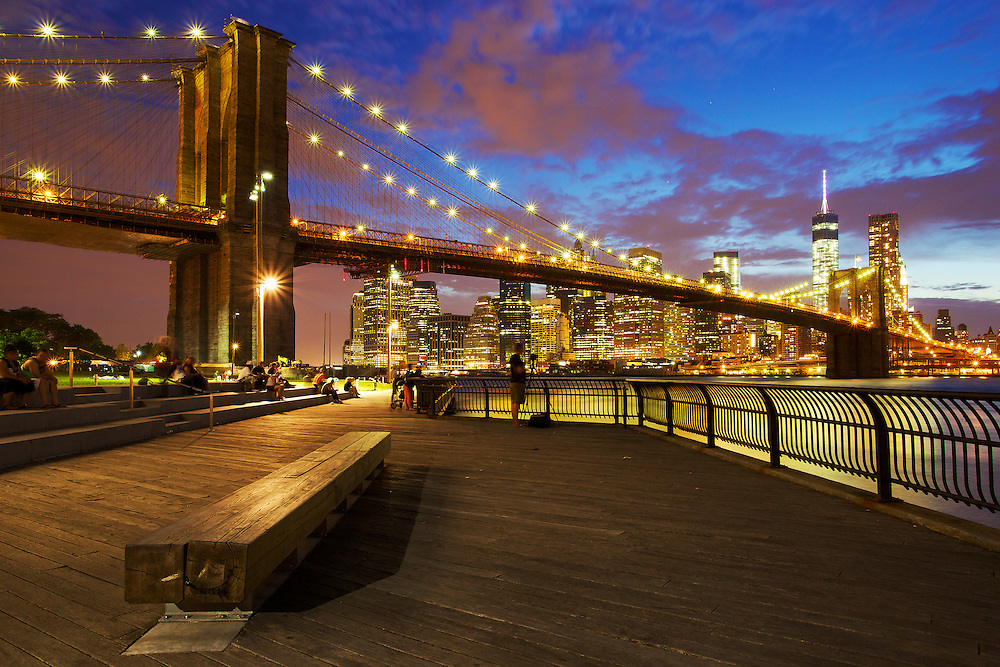 Early summer nightfall over the Brooklyn Bridge and Manhattan skyline, Brooklyn.