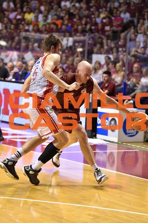 DESCRIZIONE : Venezia Lega A 2014-15 Umana Venezia-Grissin Bon Reggio Emilia  playoff Semifinale gara 5<br /> GIOCATORE :Peric Hrvoje<br /> CATEGORIA : Palleggio<br /> SQUADRA : Umana Venezia<br /> EVENTO : LegaBasket Serie A Beko 2014/2015<br /> GARA : Umana Venezia-Grissin Bon Reggio Emilia playoff Semifinale gara 5<br /> DATA : 07/06/2015 <br /> SPORT : Pallacanestro <br /> AUTORE : Agenzia Ciamillo-Castoria /GiulioCiamillo<br /> Galleria : Lega Basket A 2014-2015 Fotonotizia : Reggio Emilia Lega A 2014-15 Umana Venezia-Grissin Bon Reggio Emilia playoff Semifinale gara 5<br /> Predefinita :