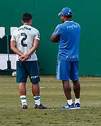 31.05.2018 - SÃO PAULO, SP - O tecnico Roger Machado, fala com jogador Jean do Palmeiras, durante treino na Academia de Futebol da Barra Funda, na Zona Oeste da capital paulista na tarde desta quinta-feira 31. ( Foto: Marcelo D. Sants / FramePhoto )