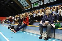Publikum tilskuere tribune Drammenshallen. Håndball: Glassverket - Flint 30-24. Postenligaen kvinner 2012-13, Postenligaen 2012-13, Drammenshallen, 17. oktober 2012. Foto: Peter Tubaas - Digitalsport.