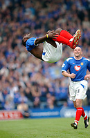 Fotball<br /> FA Barclays Premiership<br /> Portsmouth v Southampton<br /> 24. april 2005<br /> Foto: Digitalsport<br /> NORWAY ONLY<br /> Portsmouth's Lua Lua celebrates the third goal.