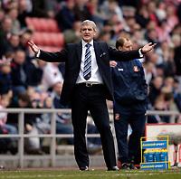 Photo: Jed Wee.<br />Sunderland v Blackburn Rovers. The Barclays Premiership. 25/03/2006.<br /><br />Blackburn manager Mark Hughes.