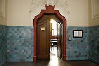 18 APR 2005, BERLIN/GERMANY:<br /> Tuer zum Saal 606, Landgericht, Amtsgericht Tiergarten<br /> IMAGE: 20050418-01-008<br /> KEYWORDS: Tür