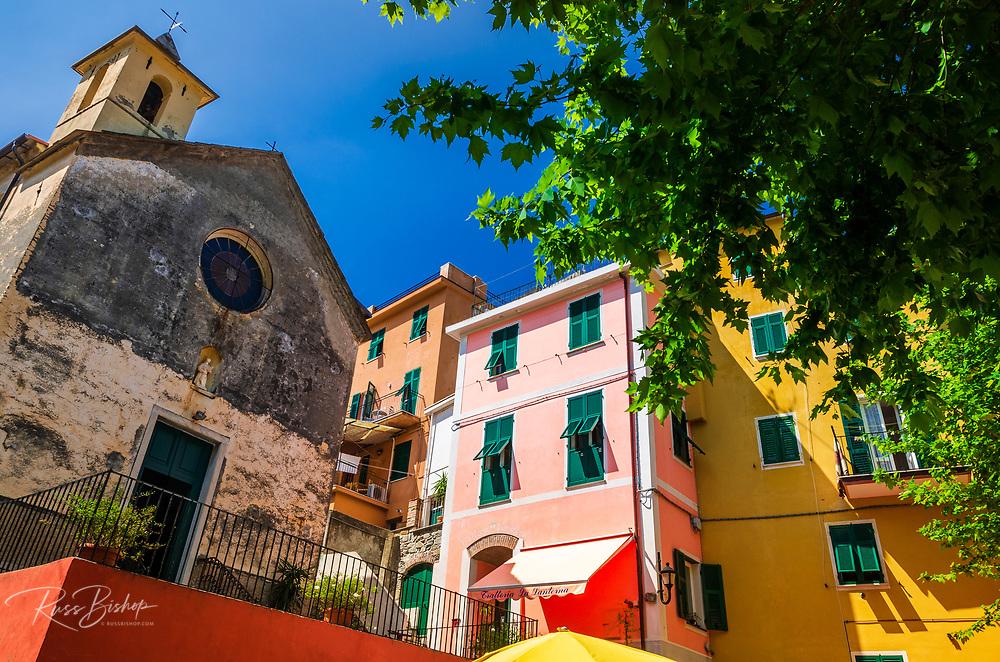 Capella dei Flagellati chapel and colorful houses, Corniglia, Cinque Terre, Liguria, Italy