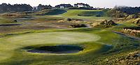 ZANDVOORT - De golfbaan van de Kennemer Golfclub, waar ook in 2008 het Dutch Open voor mannen zal worden gehouden. Op de foto: holes C5 en C6.