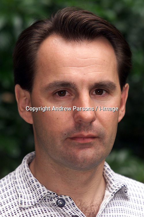 Times Reporter John Naish, June 26, 2000. Photo by Andrew Parsons / i-images..
