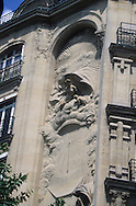 France. Paris. 3th district. sundial 18 rue Perrée  / Cadran solaire.  18 rue Perrée