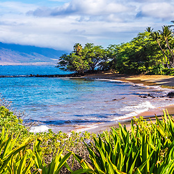 Maui Hawaii Ulua Beach panorama photo in Wailea Makena with Maalaea Bay along the Pacific Ocean. Panoramic photo ratio is 1:3. Copyright ⓒ 2019 Paul Velgos with All Rights Reserved.