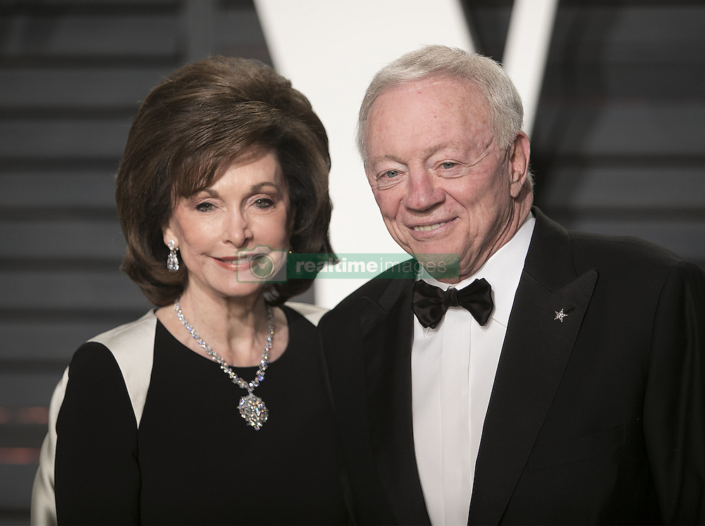 February 26, 2017 - Beverly Hills, California, U.S - Jerry Jones & Eugenia Jones on the red carpet at the 2017 Vanity Fair Oscar Party held at the Wallis Annenberg Center in Beverly Hills, California, Sunday February 26, 2017. (Credit Image: © Prensa Internacional via ZUMA Wire)