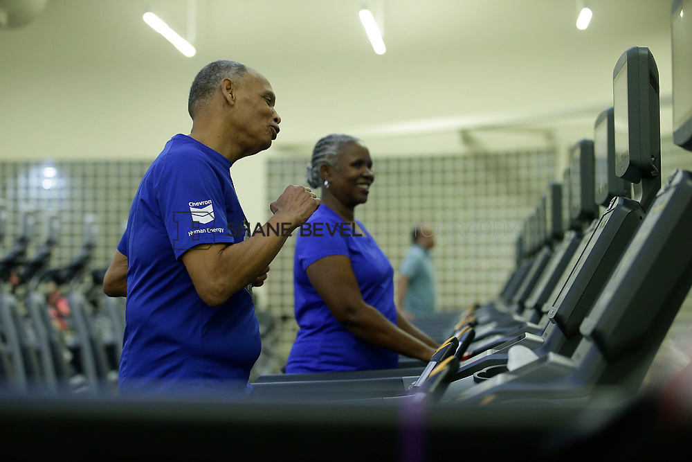 11/8/17 7:37:19 PM --  Charles and Shonda at Healthzone at SFHS. <br /> <br /> Photo by Shane Bevel