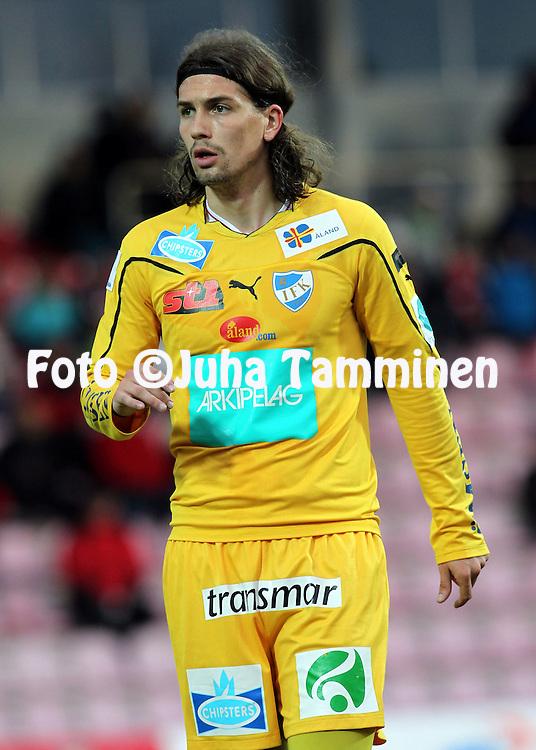 2.5.2011, Myllykoski, Kouvola..Veikkausliiga 2011, Myllykosken Pallo-47 - IFK Mariehamn..Fernando de Abreu - IFK Mhamn.©Juha Tamminen.