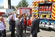 Ludwigshafen. 13.07.17 | Malu Dreyer bei der Feuerwehr<br /> Die rheinland-pfälzische Ministerpräsidentin Malu Dreyer besucht am Donnerstag, 13. Juli 2017, die Ludwigshafener Berufsfeuerwehr. Bei einem Rundgang informiert sich Dreyer über die Arbeit der Feuerwehrleute. Kämmerer und Ordnungsdezernent Dieter Feid sowie Jan Deubel, stellvertretender Leiter der Berufsfeuerwehr, empfangen <br /> die Ministerpräsidentin.<br /> Bei dem Besuch sind unter anderem Mitglieder der Freiwilligen Feuerwehr und der BASF-Werkfeuerwehr zugegen.<br /> <br /> <br /> BILD- ID 0052 |<br /> Bild: Markus Prosswitz 13JUL17 / masterpress (Bild ist honorarpflichtig - No Model Release!)