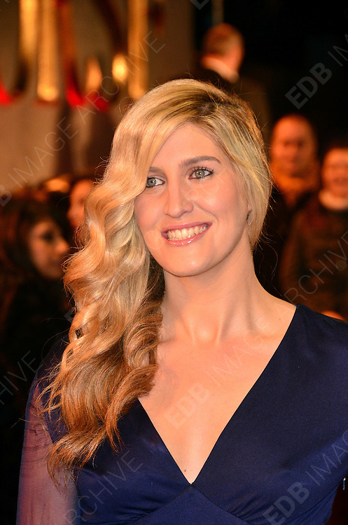 08.JANUARY.2012. LONDON<br /> <br /> FRANCESCA HULL ARRIVES AT THE WAR HORSE PREMIERE HELD AT THE ODEON LEICESTER SQUARE IN LONDON.<br /> <br /> BYLINE: EDBIMAGEARCHIVE.COM<br /> <br /> *THIS IMAGE IS STRICTLY FOR UK NEWSPAPERS AND MAGAZINES ONLY*<br /> *FOR WORLD WIDE SALES AND WEB USE PLEASE CONTACT EDBIMAGEARCHIVE - 0208 954 5968*