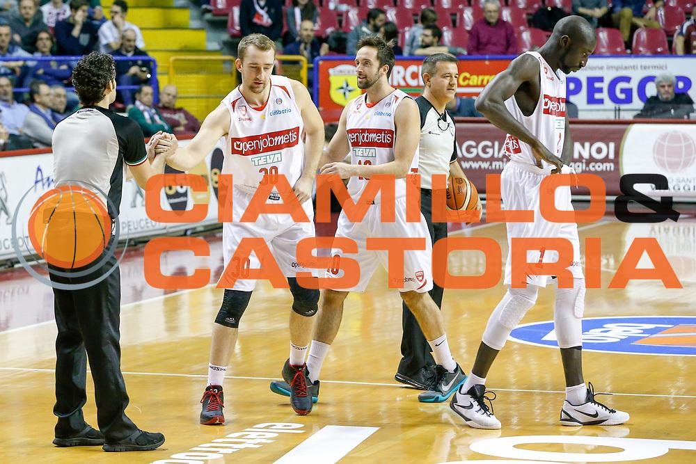 DESCRIZIONE : Venezia Lega A 2015-16 Umana Reyer Venezia Openjobmetis Varese<br /> GIOCATORE : Rihard Kuksiks Daniele Cavaliero<br /> CATEGORIA : Fair Play<br /> SQUADRA : Umana Reyer Venezia Openjobmetis Varese<br /> EVENTO : Campionato Lega A 2015-2016<br /> GARA : Umana Reyer Venezia Openjobmetis Varese<br /> DATA : 20/12/2015<br /> SPORT : Pallacanestro <br /> AUTORE : Agenzia Ciamillo-Castoria/G. Contessa<br /> Galleria : Lega Basket A 2015-2016 <br /> Fotonotizia : Venezia Lega A 2015-16 Umana Reyer Venezia Openjobmetis Varese