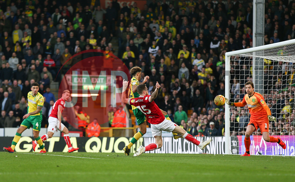 Marley Watkins of Bristol City misses a chance to score late on - Mandatory by-line: Arron Gent/JMP - 23/02/2019 - FOOTBALL - Carrow Road - Norwich, England - Norwich City v Bristol City - Sky Bet Championship