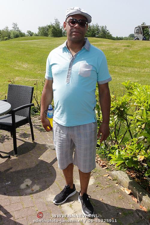 NLD/Abcoude/20120530 - Gekleurde bn' ers gaan multicultureeel golfen, Howard Komproe
