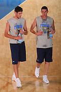 DESCRIZIONE : Bormio Raduno Collegiale Nazionale Maschile Preparazione Fisica <br /> GIOCATORE : Angelo Gigli Valerio Amoroso <br /> SQUADRA : Nazionale Italia Uomini <br /> EVENTO : Raduno Collegiale Nazionale Maschile <br /> GARA : <br /> DATA : 19/07/2008 <br /> CATEGORIA : Riscaldamento <br /> SPORT : Pallacanestro <br /> AUTORE : Agenzia Ciamillo-Castoria/S.Silvestri <br /> Galleria : Fip Nazionali 2008 <br /> Fotonotizia : Bormio Raduno Collegiale Nazionale Maschile Preparazione Fisica <br /> Predefinita :
