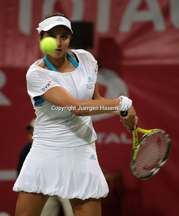 Qatar Total Open 2008, WTA Tour, Damen Tennis Turnier in Doha,  Sania Mirza (IND). ..Foto: Juergen Hasenkopf......Foto: Juergen Hasenkopf