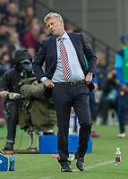 Football - 2016 / 2017 Premier League - West Ham United vs. Sunderland<br /> <br /> Sunderland Manager David Moyes turns away as his team miss a chance  at The London Stadium.<br /> <br /> COLORSPORT/DANIEL BEARHAM