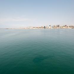 Vista aérea da cidade Luanda, capital de Angola. A baia e a cidade ao fundo.