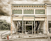 Abandoned building on E Marion St in Kershaw, South Carolina.