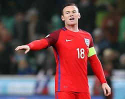 Wayne Rooney of England organises his teammates - Mandatory by-line: Robbie Stephenson/JMP - 11/10/2016 - FOOTBALL - RSC Stozice - Ljubljana, England - Slovenia v England - World Cup European Qualifier