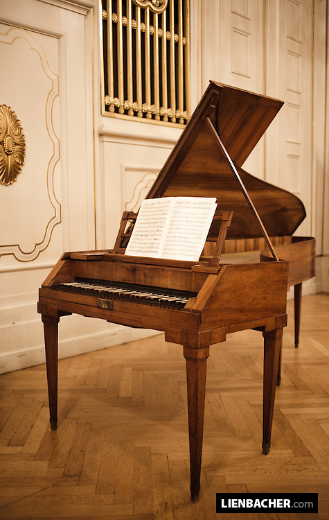 "Salzburg, Mozartwoche 2009: Piano of Wolfgang Amadeus Mozart, photographed after a concert with Robert Levin and Giuliano Carmignola in the ""Wiener Saal"" (vienna halll) of the international Mozart Foundation. Foto: Wolfgang Lienbacher"