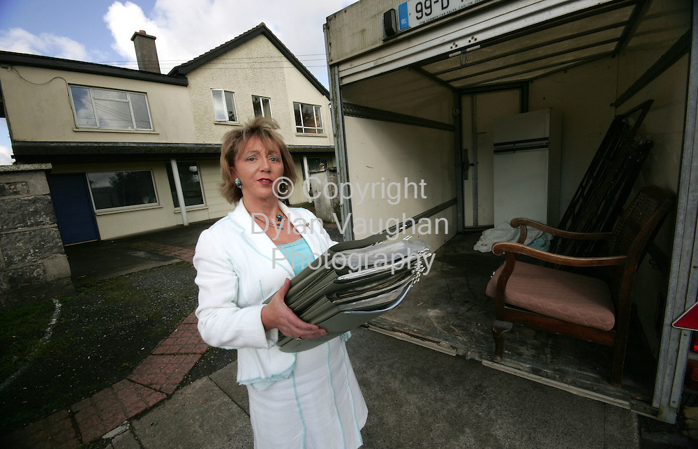 2/10/2006.Dr Mona McGarry pictured removing files from her surgery in Carlow after she was forced to move out after a compulsory purchase order issued by Carlow Town Council..Picture Dylan Vaughan..(for story ring Damien Tiernan on 087 2455084)