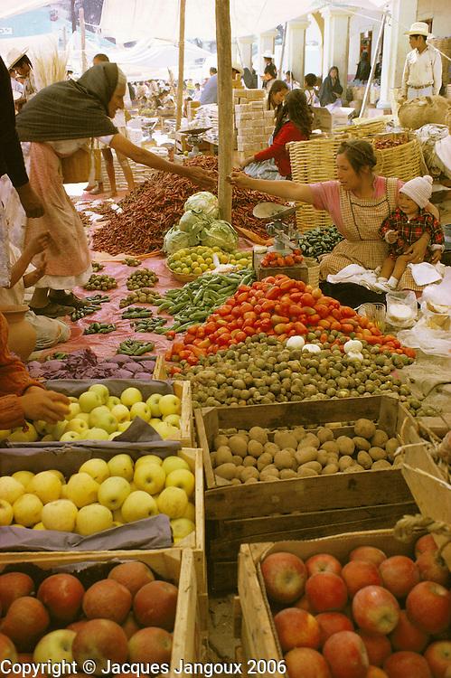 Market in village in Oaxaca State, Mexico.