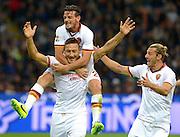 © Filippo Alfero<br /> Inter-Roma - Serie A 2013/2014<br /> Milano, 05/10/2013<br /> sport calcio<br /> Nella foto: esultanza Francesco Totti, Alessandro Florenzi e Federico Balzaretti dopo gol