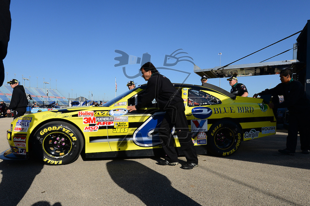 Joliet,Il - Sep 15, 2012:  Crew members work on the car of Ricky Stenhouse, Jr. (6) for the Dollar General 300 at Chicagoland Speedway in Joliet, Il.