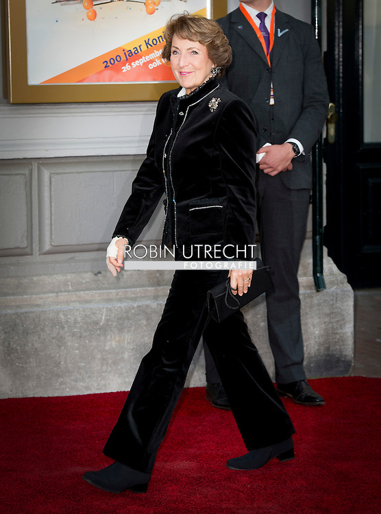26- 9 2015 AMSTERDAM - Princess Margriet and bernard en annette  Queen Maxima and King Willem alexander arrive at Carre for the celebration for 200 years kingdom in the netherlands AMSTERDAM - Koning Willem Alexander en koningin Maxima zijn aanwezig bij de slotviering van 200 jaar Koninkrijk der Nederlanden in theater Carre. De twee jaar durende viering wordt afgesloten met een avond vol optredens met prinses  beatrix .  COPYRIGHT ROBIN UTRECHT