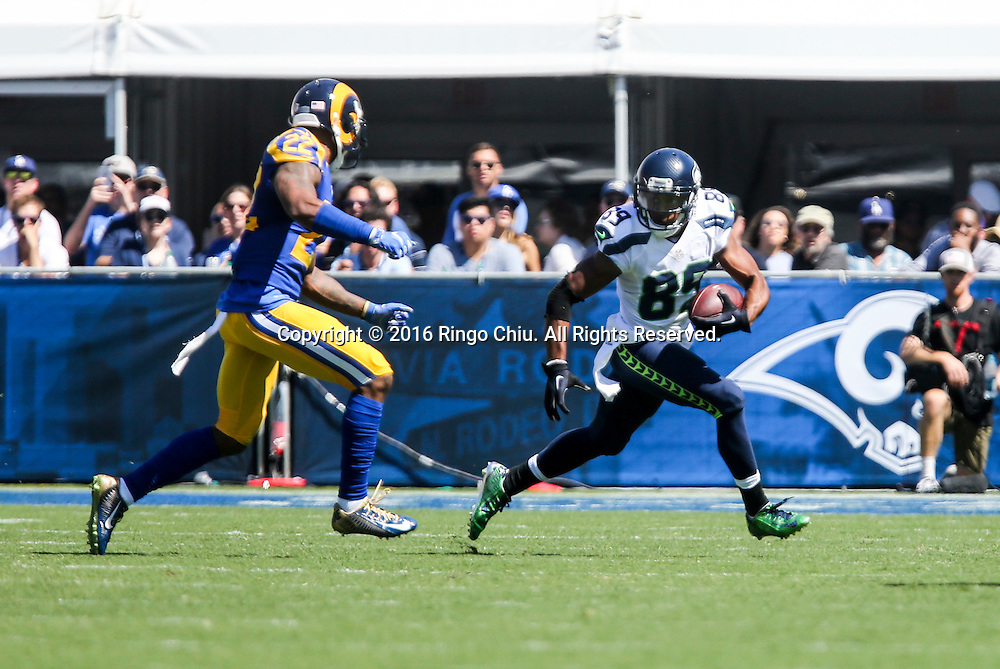 Seattle Seahawks wide receiver Doug Baldwin (89) is defended by Los Angeles Rams during a NFL football game, Sunday, Sept. 18, 2016, in Los Angeles. The Rams won 9-3.(Photo by Ringo Chiu/PHOTOFORMULA.com)<br /> <br /> Usage Notes: This content is intended for editorial use only. For other uses, additional clearances may be required.