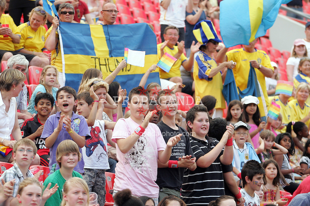28.06.2011, FIFA Frauen-WM-Stadion Leverkusen, Leverkusen, GER, FIFA Women Worldcup 2011, Gruppe C, Kolumbien (COL) vs. Schweden (SWE), im Bild:  Viele Schulkinder in der Arena   // during the FIFA Women´s Worldcup 2011, Pool C, Colombia vs Sweden on 2011/06/28, FIFA Frauen-WM-Stadion Leverkusen, Leverkusen, Germany.   EXPA Pictures © 2011, PhotoCredit: EXPA/ nph/  Mueller *** Local Caption ***       ****** out of GER / CRO  / BEL ******