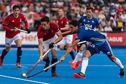 Phil Roper of Great Britain Men is tackled by Frederico Fernandez of Argentina Men during the 2019 Men's FIH Pro League match at Lee Valley Hockey Centre, Stratford<br /> Picture by Simon Parker/Focus Images Ltd <br /> 18/05/2019