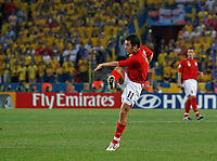 Photo: Glyn Thomas.<br />Sweden v England. FIFA World Cup 2006. 20/06/2006.<br /> England's Joe Cole scores his team's opening goal.