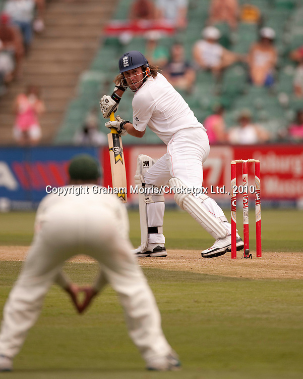 Ryan Sidebottom watches as he is caught off the bowling of Sale Steyn during the fourth and final Test Match between South Africa and England at the Wanderers Stadium, Johannesburg. Photograph © Graham Morris/cricketpix.com (Tel: +44 (0)20 8969 4192; Email: sales@cricketpix.com)