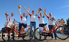 20150608 NED: Presentatie teamcaptains  fietstocht 4daagse WK  Beachvolleybal, Utrecht