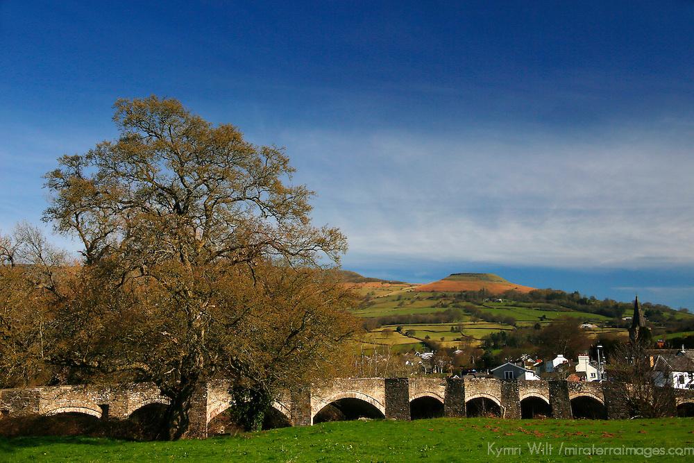 Europe, United Kingdom, Wales, Crickhowell. Stone bridge of Crickhowell.