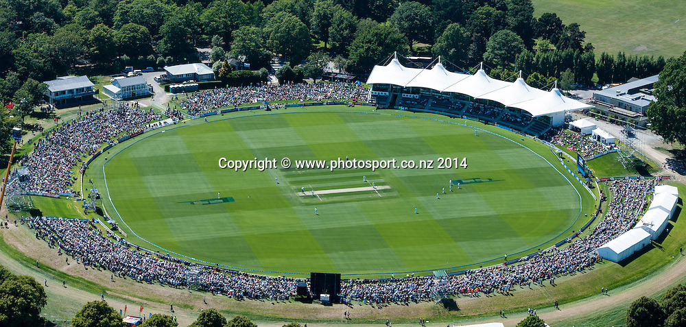 General view in the 1st day of the cricket test match, NZ v Sri Lanka, Hagley Oval, 26 December 2014. Photo:John Davidson/www.photosport.co.nz