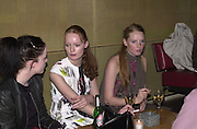 Lesley Sealey, Rosalind  Halstead and Bianca O'Brien. Beck's Futures 2. I.C.A. 10 April 2001. © Copyright Photograph by Dafydd Jones 66 Stockwell Park Rd. London SW9 0DA Tel 020 7733 0108 www.dafjones.com