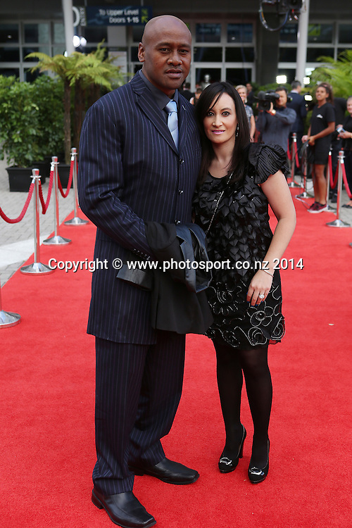 Jonah Lomu and wife Nadene pose for a picture on the red carpet at the 51st Westpac Halberg Awards. Halberg Disability Sport Foundation. Vector Arena, Auckland, New Zealand. Thursday 13 February 2014. Photo: Fiona Goodall/www.photosport.co.nz