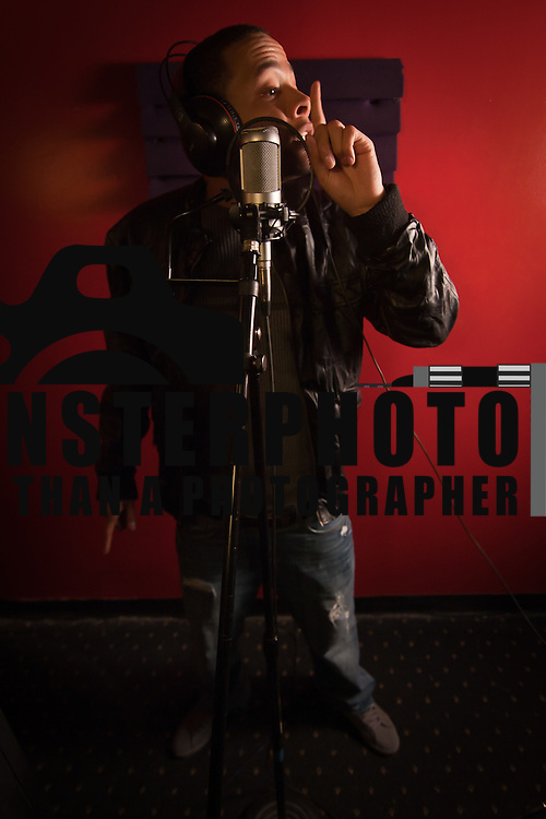 03/31/11 Wilmington DE: Artist Aviator Keyz in the recording booth recording his song Back up off me at Red Room Studios in Wilmington Delaware, March 31, 2011. ..Special to Monsterphoto/SAQUAN STIMPSON