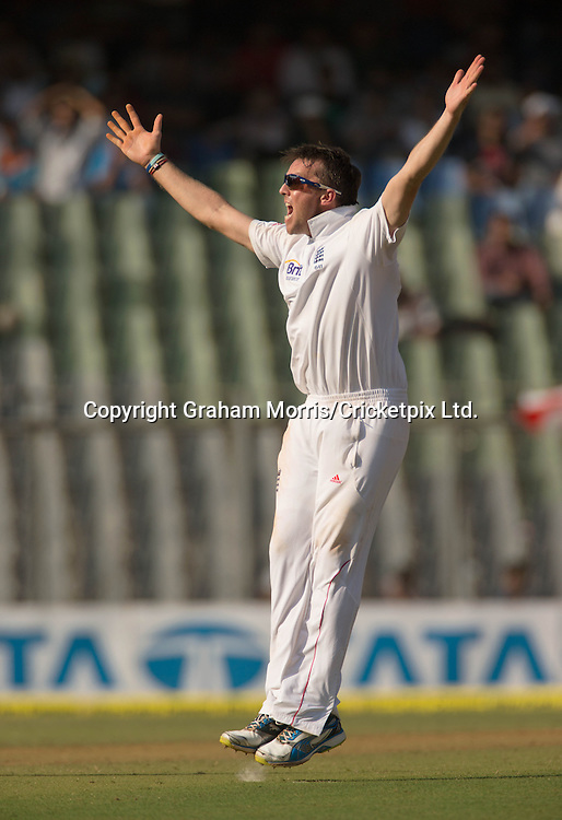 Graeme Swann appeals during the second Test Match between India and England at the Wankhede Stadium, Mumbai. Photograph: Graham Morris/cricketpix.com (Tel: +44 (0)20 8969 4192; Email: sales@cricketpix.com) Ref. No. 12561m79  23/11/12